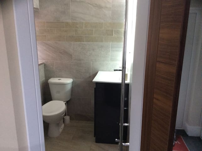 Studio flat with en - suite - South Shields - Hus
