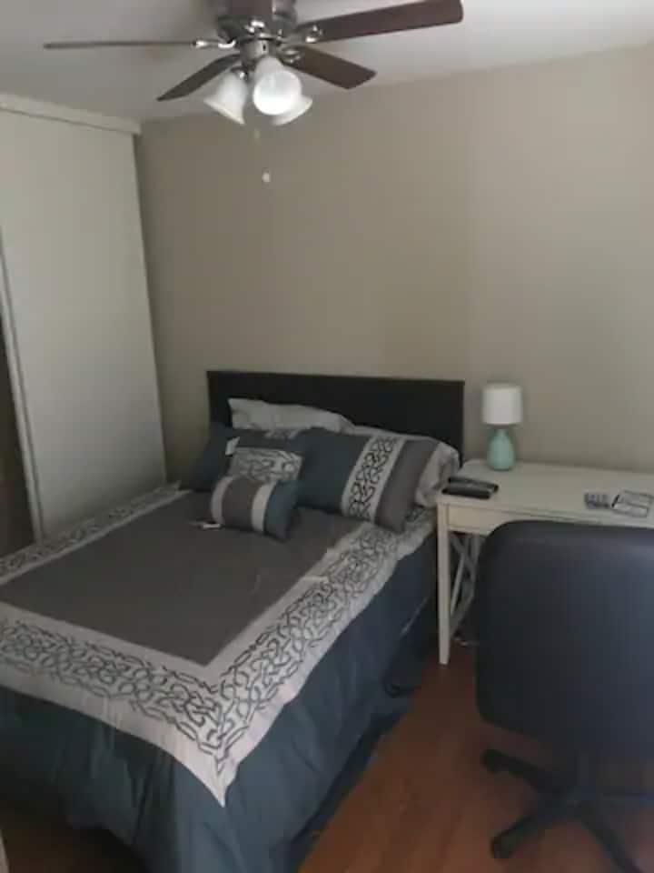 ❤️Comfortable & Convenient Getaway (room A)