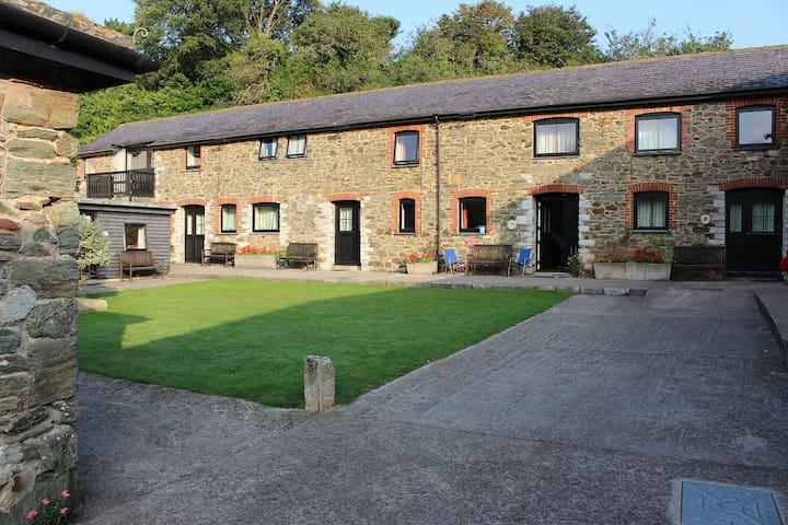 "Cottage ""Byre"" at Hope Barton Barns"