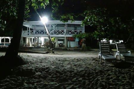 KiluanDolphin Private Beach
