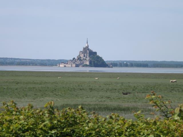 """le mont st Michel : villa """"Belle vue"""""""