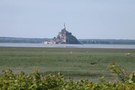"""mont st Michel : villa """"Belle vue"""" - House"""