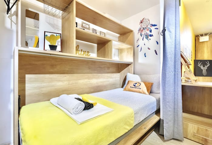 hipstercity - Single Private Bed with Shared Bath