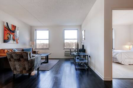 Deluxe 2BR Furnished Apt. in NJ