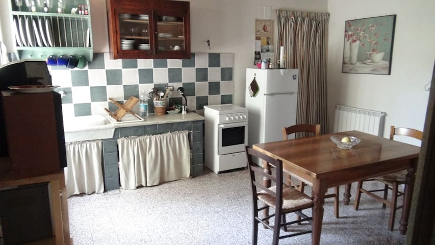 Tuscany Cottage Low-Cost