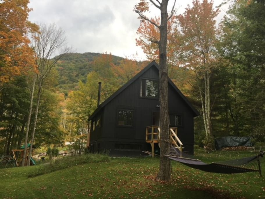 Hunter mountain guest apt alone at the lodge cabins for Cabins near hunter mountain
