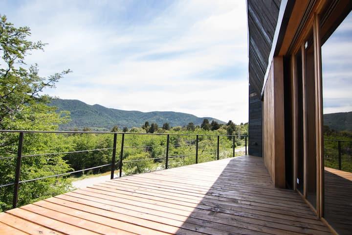 Casa Moderna c/ Grandes Vistas al Lago y el Cerro