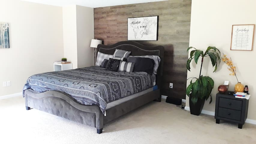 Spacious Master Bed Room