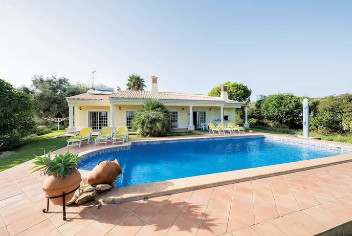 Charming 3 bed villa with private pool
