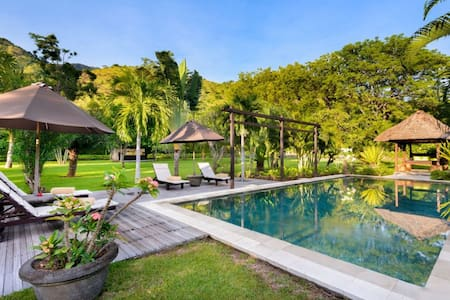 A beautiful exclusive 2 BR villa in Pemuteran - Gerokgak - Casa de camp