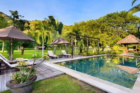 A beautiful exclusive 2 BR villa in Pemuteran - Gerokgak