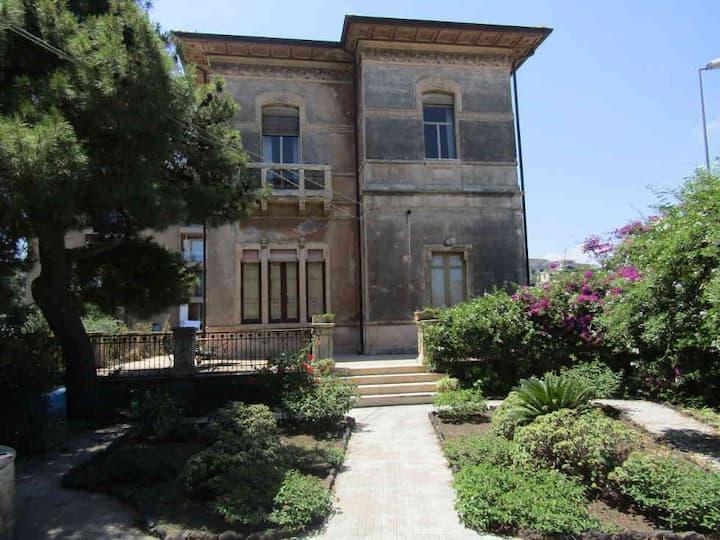 Art Nouveau villa with Mount Etna view