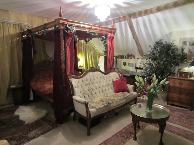 King Size Four Poster with Copper Bath.