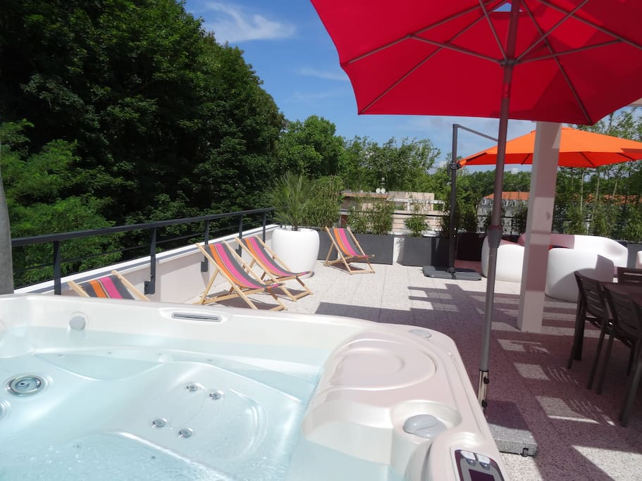 Spa 5 places sur terrasse