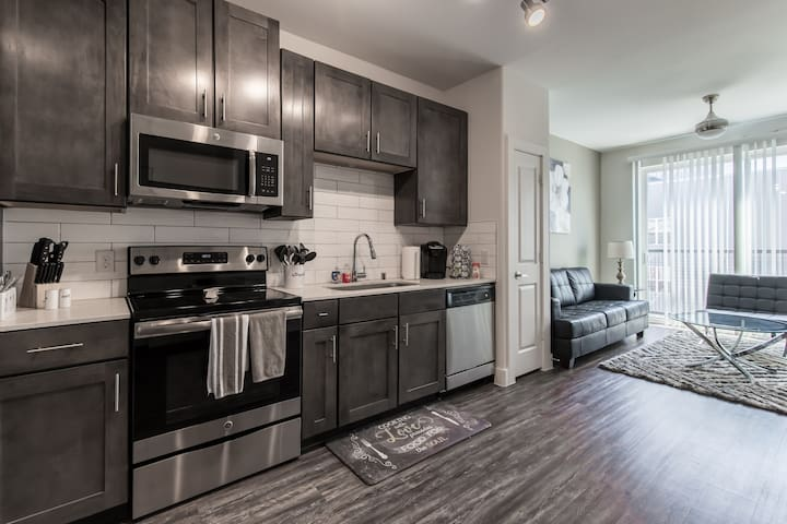 MW-3509 |Legacy West|Corporate|1 Bedroom|City View