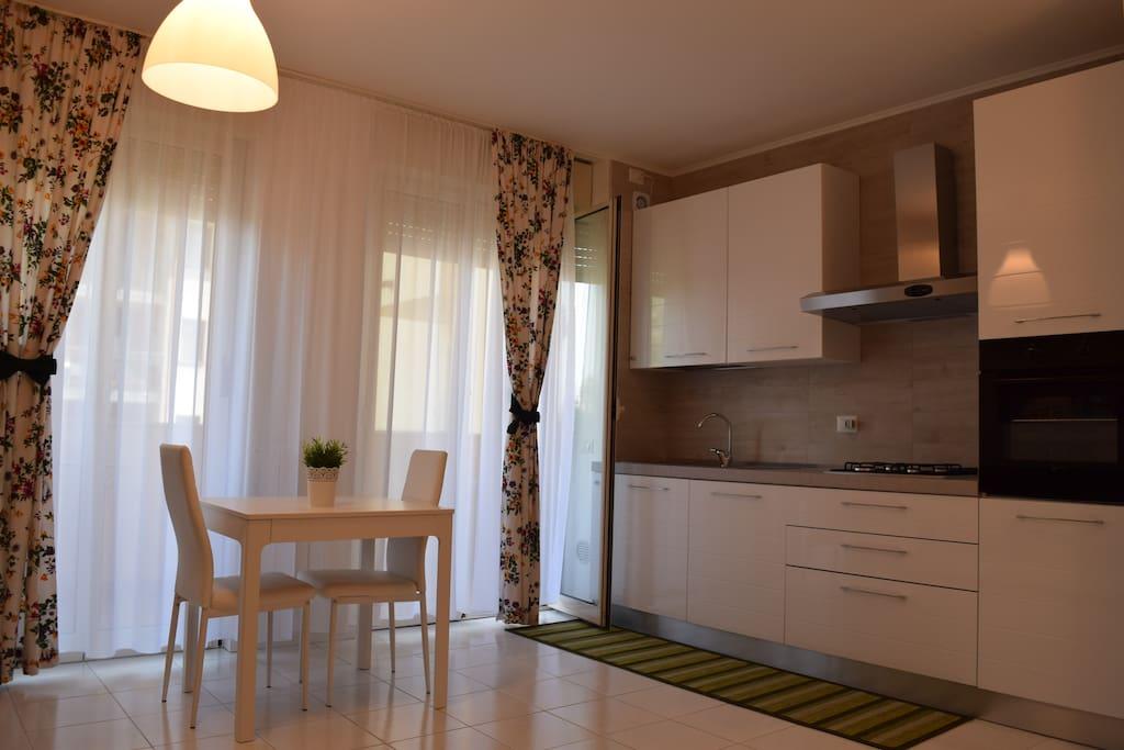 Angolo cucina / Kitchen
