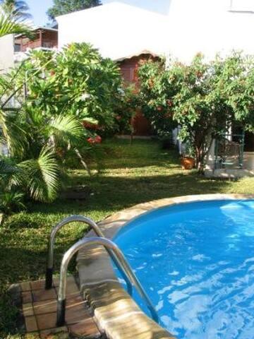 Agréable chalet indépendant  avec accès piscine