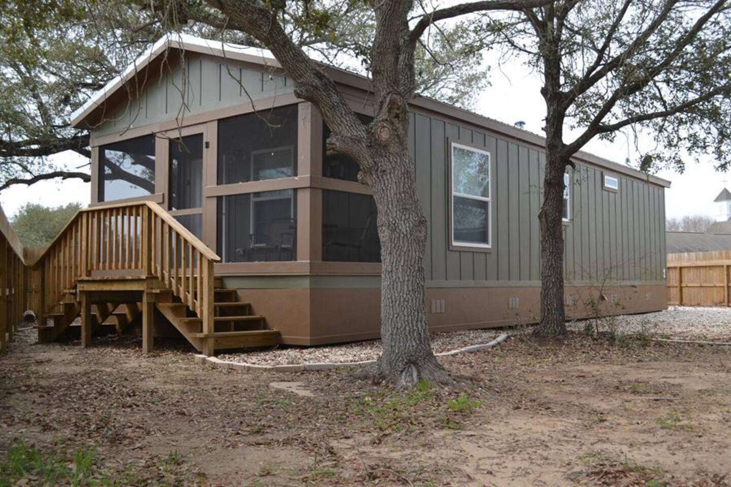 600 square foot cottage with screened in porch to enjoy Matagorda's evenings