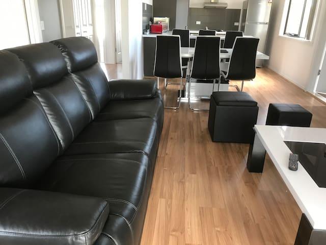 Luxurious 3BR apartment - 8/21TA