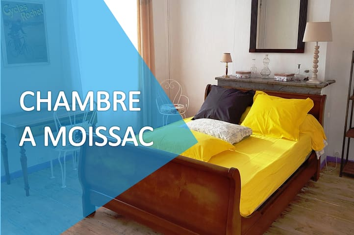Large room in the old Moissac (2e)