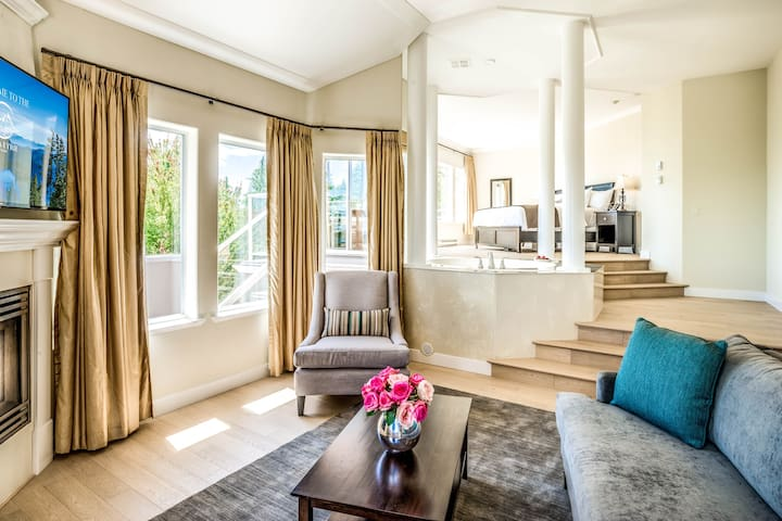 Master Suites at the Villa Eyrie Resort