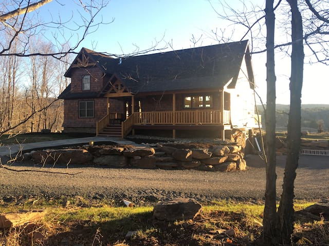 Brand new ski chalet five minutes to ski windham - Windham