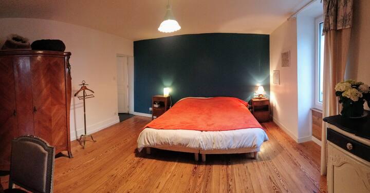 Grande chambre dans Mas dauphinois