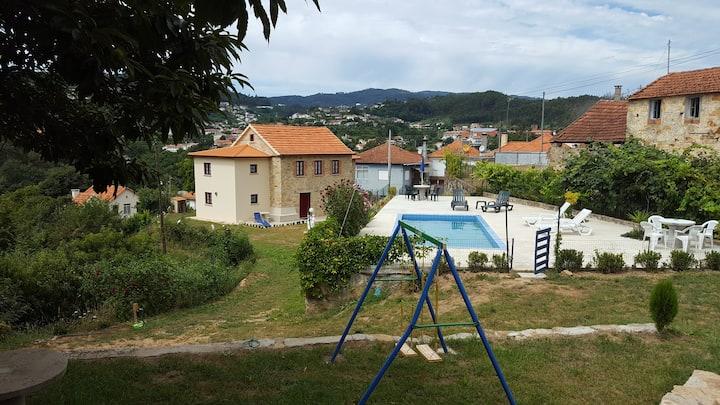 Maison pour 5 à 6 personnes avec piscine