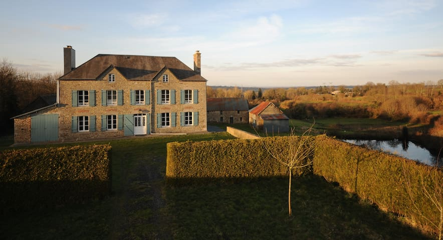 Double room with private bath in Normandy - Le Lorey - Rumah