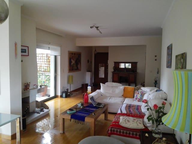 Πολυτελές χώρος σε ιδιωτικό κήπο - Kifisia - Apartamento