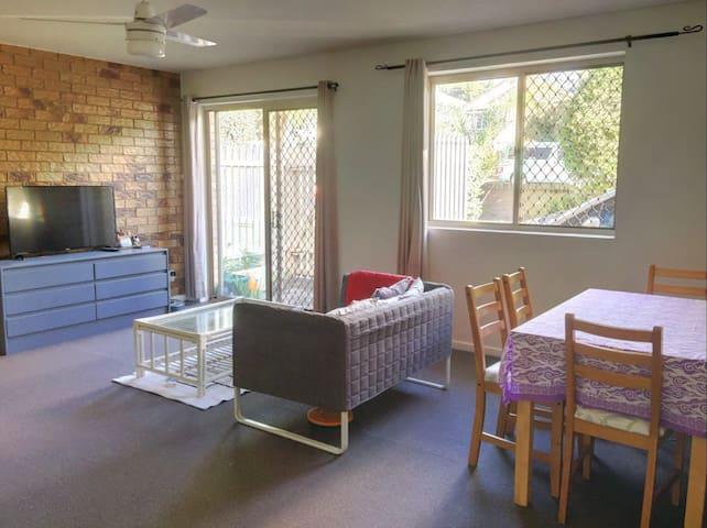 Quiet, Clean guestroom  in 2-level 2-bedder unit