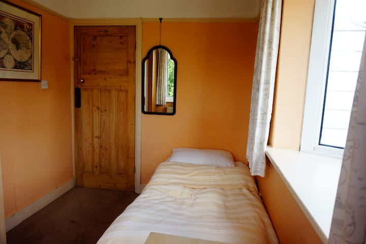 Ideal Student Room 2 for Short or Long Stay