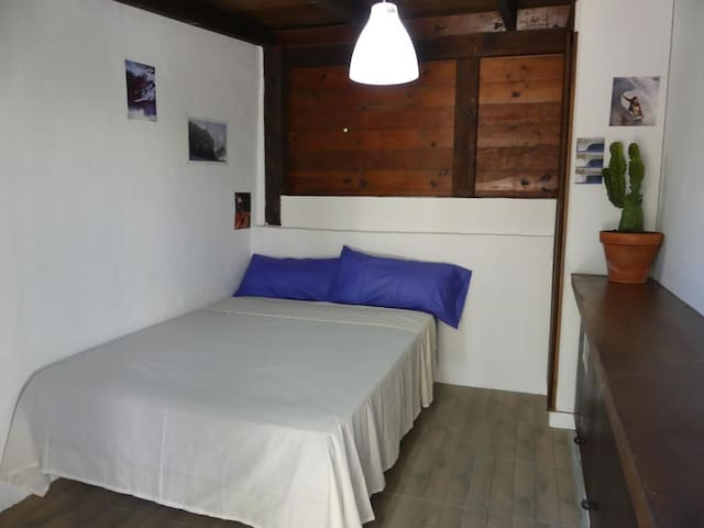 Gerupuk Double Room in the Surf house
