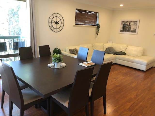 Stay4now 1 or 2 bedroom apartment close to CBD