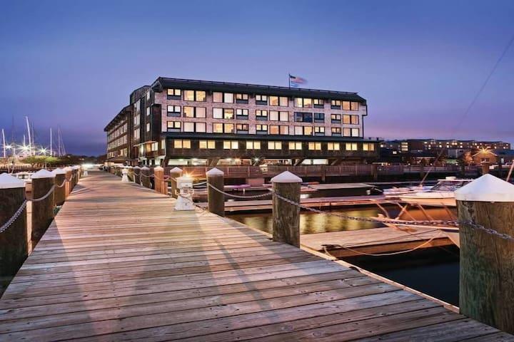 Sale!  Wyndham Inn on the Harbor