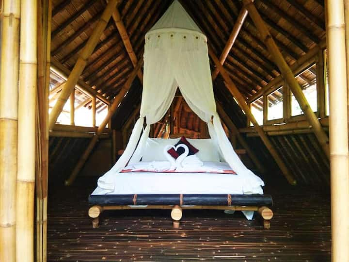 One Bedroom River View -  Cornucopia House