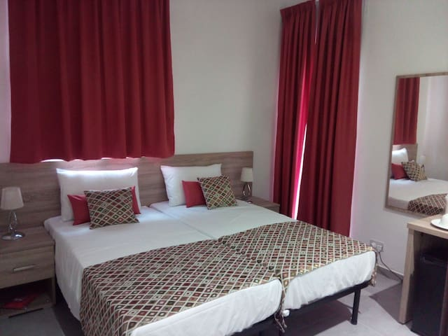 Central cosy & comfy place across the sea (Rm 7)