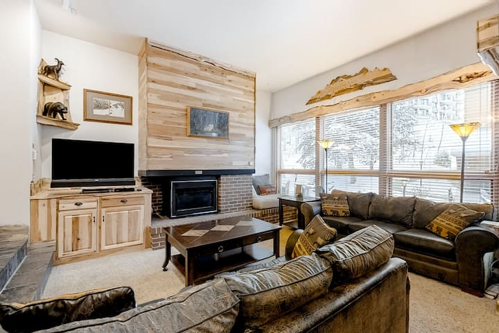 Beautiful, creekside condo w/ an enormous, shared sundeck, hot tubs, & firepit