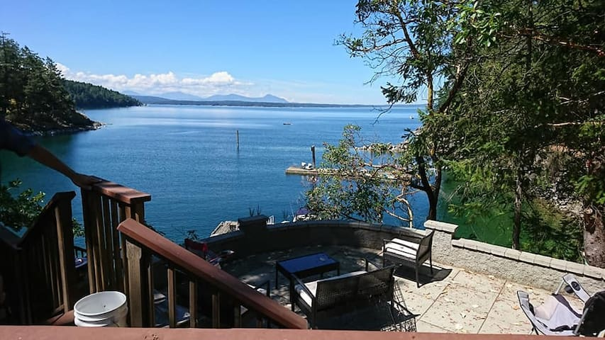 Breakaway Waterfront Thetis Island Guest Suite