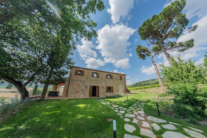 Wine Experience Villa in Montepulciano