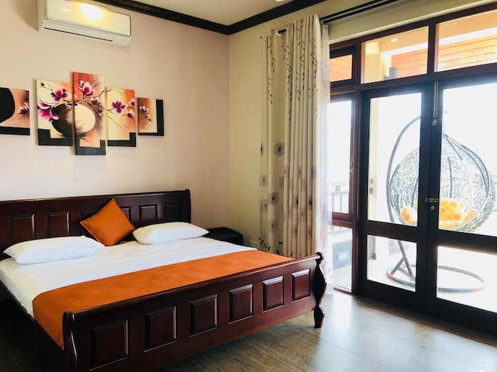 Riverdale Ridge Homestay - Deluxe King Room