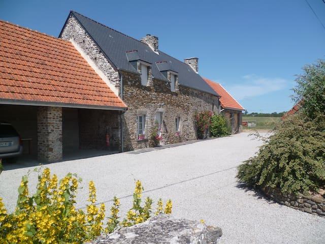 La Petite Rucgueville à Port-Bail - Portbail - House