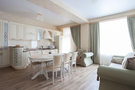 Апартаменты Вершина 3-х комнатные - Appartement