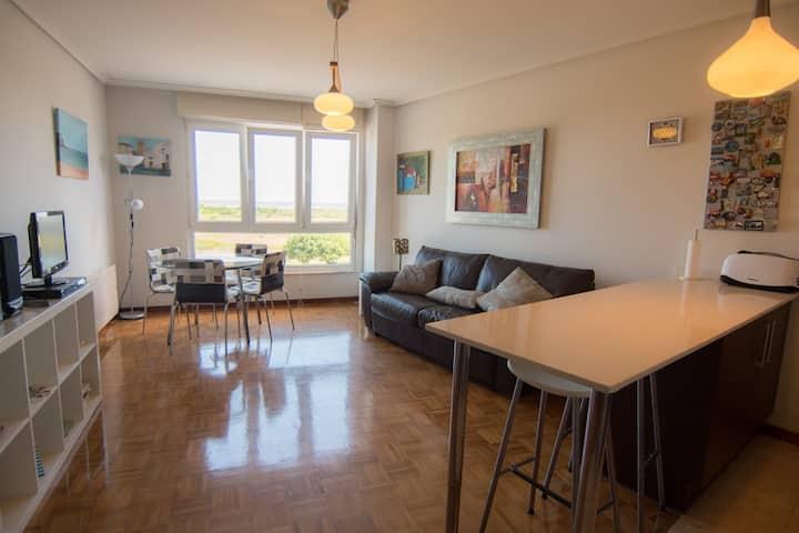 Apartamento con vistas al mar en 1ª linea de Playa