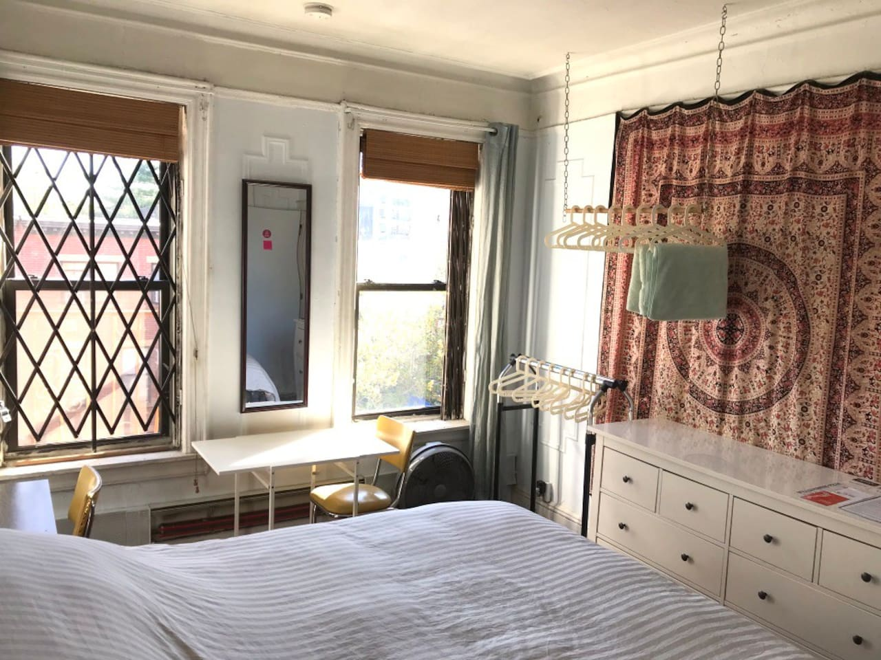 The Hewes guest room...