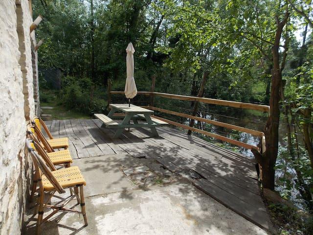 Appartement 5 couchages avec vue sur l'étang