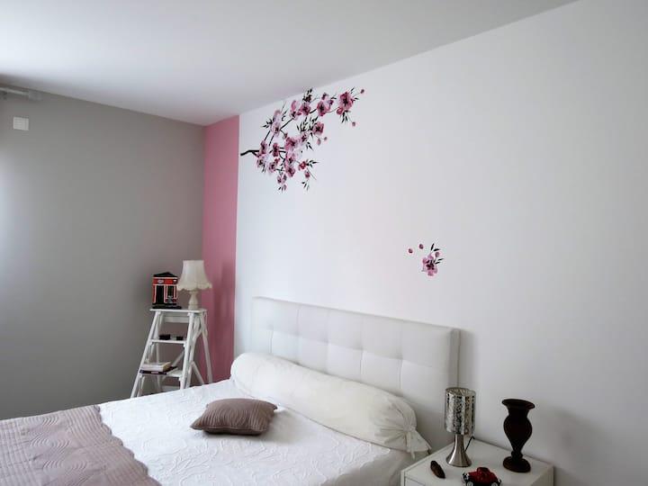 Chambres confortables, environnement calme.
