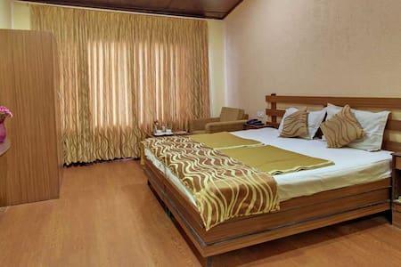 Corner Stay - Dwell in the heart of Naini Bazar - Nainital - Boutique-hotelli