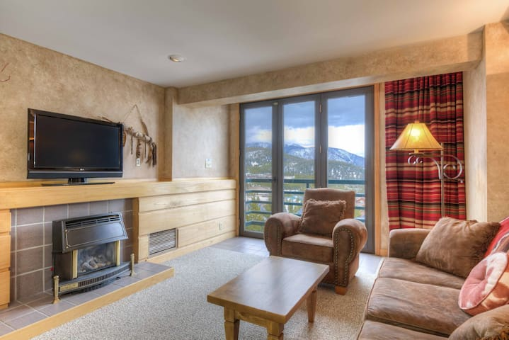 Luxury Shoshone Ski-In/Ski-Out Condo - pool / spa