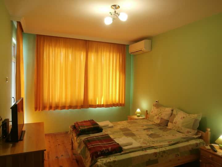 2 bdrm apt/Guest house Silent Nature/Top Center